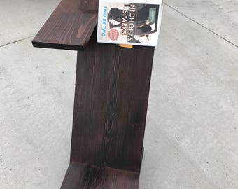 Reader end table