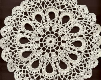 Crochet Doily Lace doilies Table decoration Crocheted Doilies Centrepiece Hand Made Wedding Doily Napkin Boho Bohemian Decor Round White