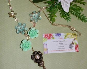 Feminine Flowers Tassel Necklace