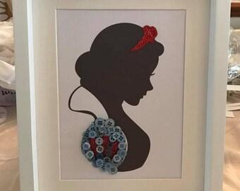 Snow White Head Button Frame