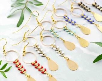 Boucles d'oreille pampilles et chaîne émaillée - bijou pour elle élégant et discret - bijou fin et délicat - cadeau parfait - attrape-rêves