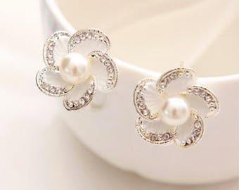 Bridal Wedding Silver Plated Crystal Flower Pearl Earrings