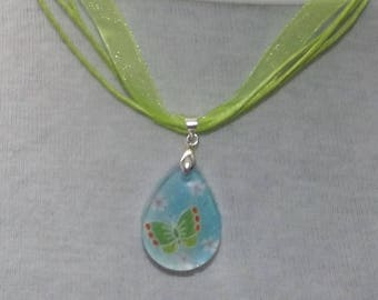 Green Butterfly - Resin pendant with origami paper