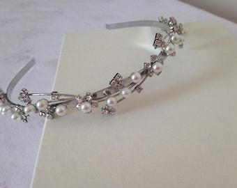 White Freshwater Pearl & Silver Crystal Flower Tiara, Headband, Bridal Tiara, Maid of Honour Tiara, Prom Tiara, Wedding Silver Headband