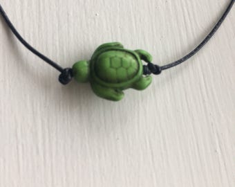 Green turtle necklace