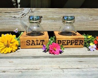 wooden salt and pepper holders - salt and pepper shakers - rustic salt and pepper holders - branded wooden salt and pepper shakers - table
