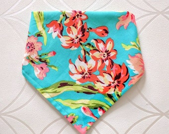 scarf for baby girl / bandana scarf / bandana bib / scarf for baby / flower pattern scarf / flower bib / bib for baby / baby shower girft