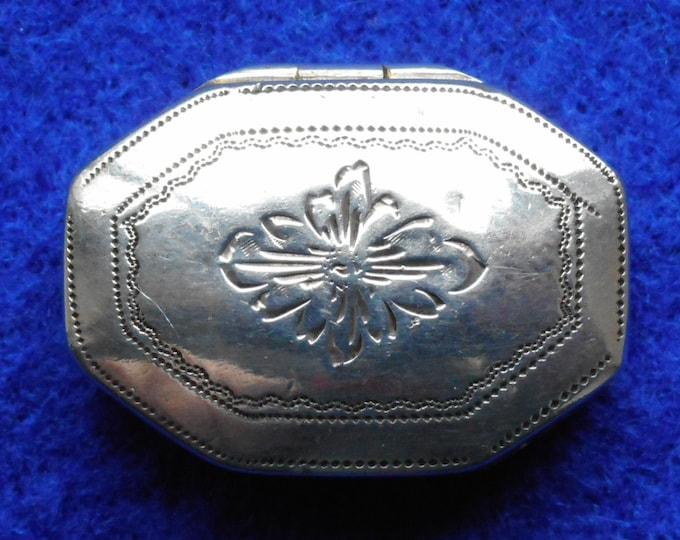 1813 Sterling Silver Vinaigrette made by Joseph Willmore - Free shipping worldwide with Coupon Code: FREESHIP