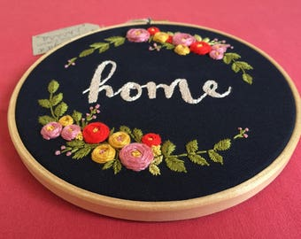 Floral embroidery,Embroidery hoop art,Modern embroidery,Hand embroidery,Personalized custom embroidery,Housewarming,Zezehandcraft