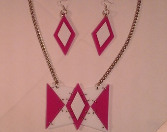 Acrylic / plexiglas necklace and earings - homemade