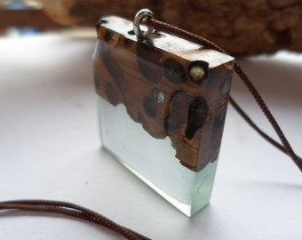 Resin pendant and wood//gift for her birthday gift for bridesmaids gift////