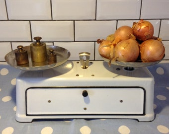 French vintage Boulangerie scales