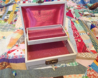 Vintage Jewelry Box Locking