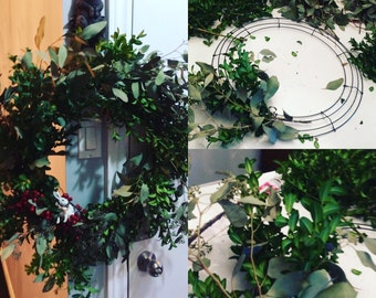 Boxwood wreath with Bunny