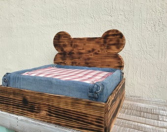Southern Chic Dog Bed