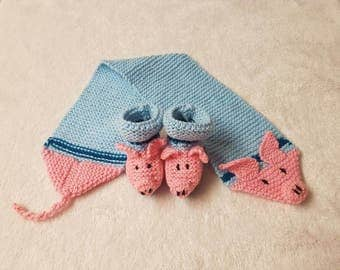 Baby Booties & Scarf HAND KNITTED Matching Set PIGLETS 3-6 Months