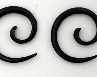 Pair of earrings piercing Horn spiral spreader