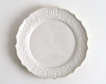 Knit relief plate 7 inch (white), Made to Order in 2 months ; Shintaro Abe (16005904K-6W)