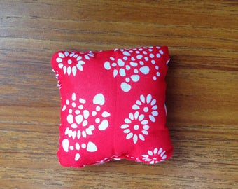Red an White Flower Pillows