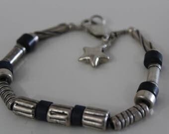 Star  Bracelet in black and silver