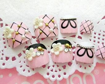 24 pcs. Pink toenails Reusable fake nails, Silver, Press On Nails, Glue On Nails, False Nails, Any Shape. Toe nails. Kawaii