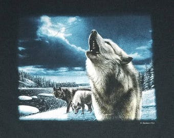 Howling Wolf T Shirt - Vintage Wolf Tshirt, 90s shirt - size M #223