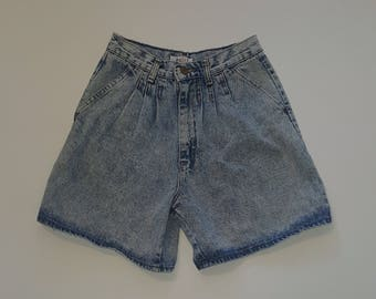 Women's Vintage High-Waist Acid-Wash Cutoffs