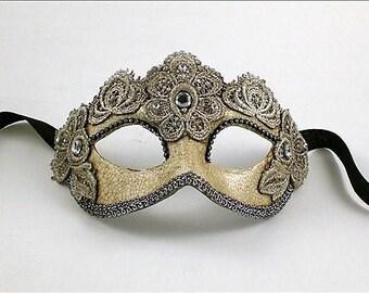 Venetian Masquerade Mask - Colombine Silver Macramé