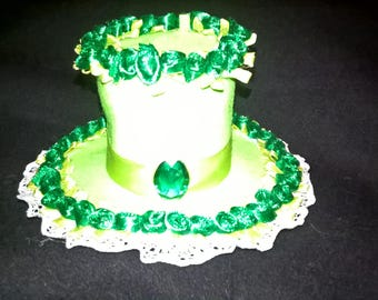 Green rose mini top hat