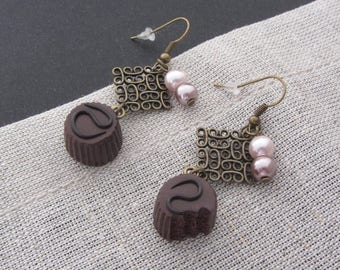 Chocolate praline earrings with pearls for a feminine, sweet and vintage style!