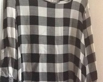 Long sleeve black and white blouse, size XL