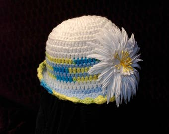 Girls crotchet hat with flower accent