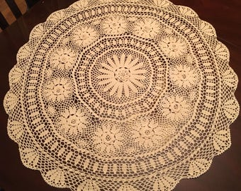"Beautiful Vintage Crochet Table Cloth Cover Doily 33"" round"