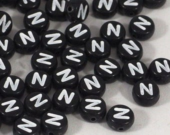 100 black letter beads *N*, alphabet beads, 7mm