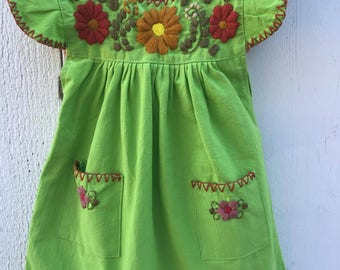 Mexican hand embroidered baby dress size 2−7 months