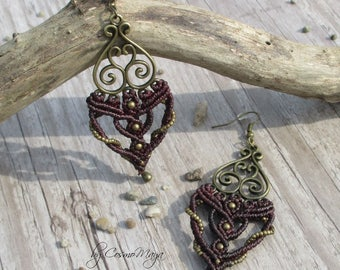 Earrings with pearls spiral in Burgundy and bronze