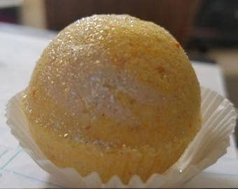 The Golden lemon Snitch Bath Bomb