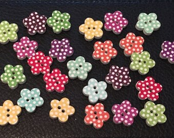 25 Assorted wooden flower buttons