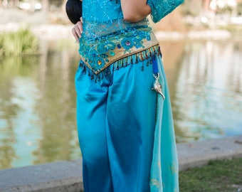 Princess Jasmine. Halloween costume. Aladdin. Cosplay.