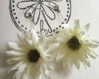 White Mini Sunflower Earrings
