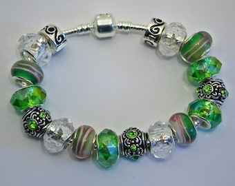 Bracelet 19 Green and Clear Europein Beads