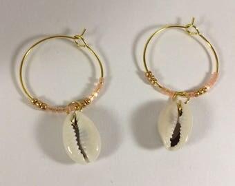 Hoop earrings Golden miyuky and cowrie