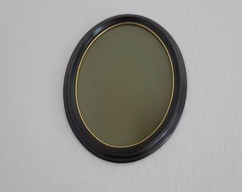 Antique / vintage wood oval frame: black with golden line
