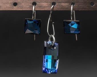 Bermuda Blue swarovski crystals and 925 sterling silver earrings and pendant jewelry set