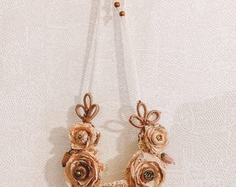 Romantic boho style vintage roses necklace