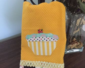 Kitchen towel with cupcake