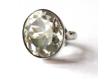 Circular Clear Quartz ring (Medium)