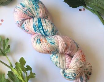 Hand dyed yarn, Jelly Fish, sock weight, single ply, superwash merino, 100g, 400m.