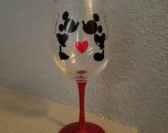 Mickey & Minnie Wine Glass, Personalized Wine Glass, Mickey and Minnie Mouse