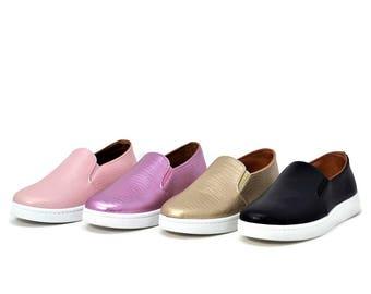 Socal Women's Memory-Foam Embossed Sneakers